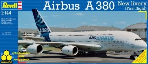 REVELL 04218 Airbus A380-800 New livery (First flight)